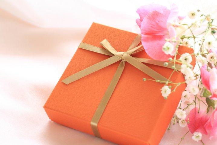 大学の卒業祝いに贈るプレゼント 人気ランキング21選!男性・女性に喜ばれるおすすめギフトや相場・メッセージ文例も!
