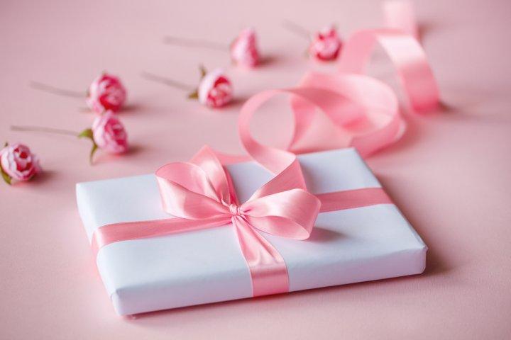 結婚祝いのお返しに贈るプレゼント 人気ランキングTOP18!友人や親戚におすすめの結婚内祝いのギフトや「のし」の書き方などマナーも紹介!