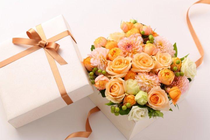 結婚記念日のプレゼント 人気ランキングTOP30!数え方&おすすめのお祝いアイデアも紹介!