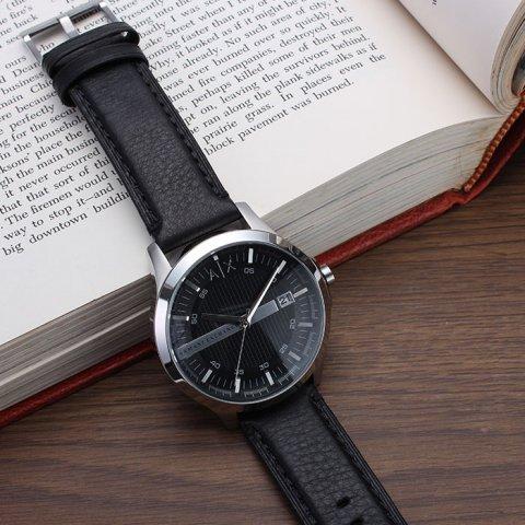 dbeb456ec76a31 ビジネスシーンに合わせやすい革ベルトの時計は、毎日仕事を頑張る男性にとって嬉しいプレゼントです。高級感のあるものなら、長く愛用してもらえますよ。