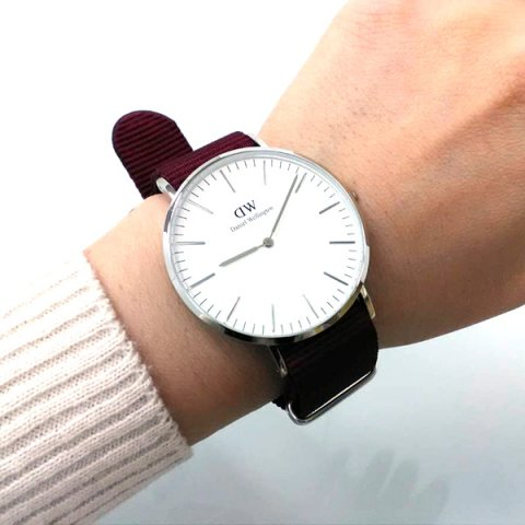 4db9117794 ダニエルウェリントンのメンズ腕時計は、ケースのサイズが豊富なことで知られています。 28mmから 40mmまで揃っているため、自分に合ったものを選ぶのが大切です。