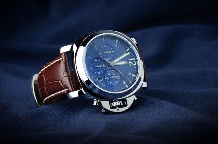 51d597c563 【ベストプレゼント編集部が厳選】50代男性におすすめのメンズ腕時計ブランドランキングTOP5