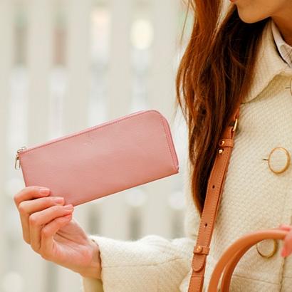 67df43942fd5 女性に人気のシンプルなレディース財布 おすすめブランド12選【2019年 ...
