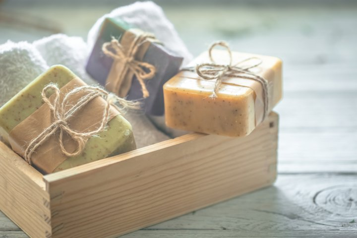 The 10 best handmade gifts for your favourite girl if you really want to give her a unique handmade gift but dont have the means or the skills to make it yourself solutioingenieria Images