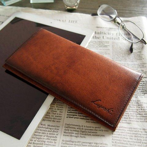 dec8af289408 30代男性におすすめするメンズ長財布の素材は、高級感あふれる革素材です。 なかでも、使う たびに艶感が増すコードバンや、色味が深まるブライドルレザーなどの上質な ...