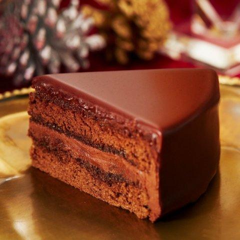 ザッハトルテは母の日のプレゼントにも適しています。チョコレートが好きなお母様なら、チョコレートケーキとはひと味違ったザッハトルテもおすすめです。