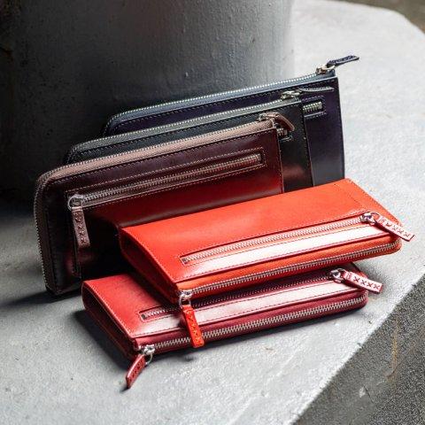 b2b210866cec 20代女性には、高級感ただよう革素材のレディース長財布が大人気です。 なかでも、スタッズなどのメタルパーツを施したデザインなどが、若さや個性をアピールできると  ...