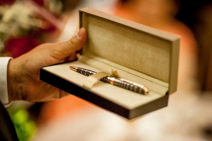 人気の名入れボールペン おすすめランキング21選!プレゼントに喜ばれるおしゃれで可愛いボールペンも紹介!