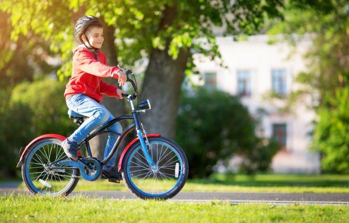 Melatih Motorik Anak dengan Bersepeda Menggunakan 10