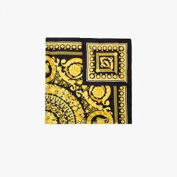 ベルサーチ マフラー(レディース) ヴェルサーチ Versace レディース マフラー・スカーフ・ストール 【Black and yellow Baroque Silk Scarf】black