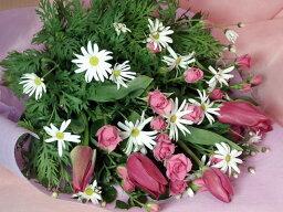 チューリップ マーガレットチューリップ、スプレーバラの花束:【成人式御祝用】