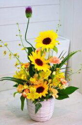 オレンジ ホワイトデー 誕生日 にも プレゼント おまかせ 黄色オレンジ系フラワーアレンジメント 花 人気ランキング 花ギフト 花束 結婚記念日 (ホワイトデー 誕生日 などにも) バラ 還暦 37