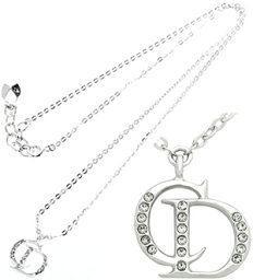 ディオール ネックレス(レディース) Christian Diorクリスチャンディオールペンダントネックレスシルバー ゴールド アクセサリーラインストーンCDプレートシンプルでオンタイム&オフタイムどちらでもPENDANT NECKLACE誕生日プレゼントや贈り物に人気です。