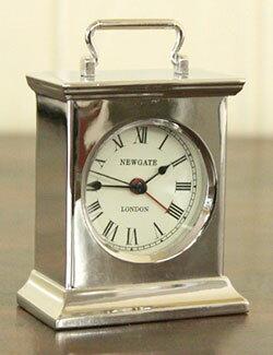 NEW GATE ニューゲート ボストン取っ手ハンドル付き目覚まし時計アラームクロック デスククロックブラック クリーム ブラックレトロアンティークな色使いが周りのインテリアを引き立てるENGLAND BOSTON ALARM置時計 置き時計