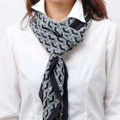 0d6646499390 グッチ GUCCI シルク スカーフ 幾何学模様 マルチカラー ブラック基調×グレー 397975 4G005 1662